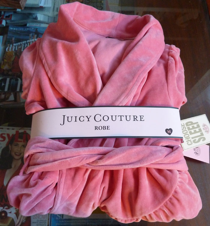 Anneli Bush - Juicy-Couture-robe - Anneli Bush